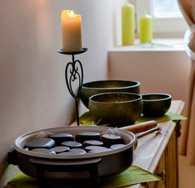 Wellnessanwendung Hot Stones im fontis - Ihr Wellnesspoint